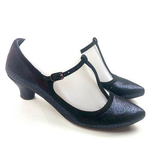 "Chie Mihara Kitten 1"" Heel T-Strap Buckle Shoes"